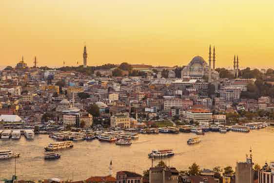Destinations_turkey_istanbul_Destinations_Turkey_Istanbul_iStock_000040910450_Large (1)