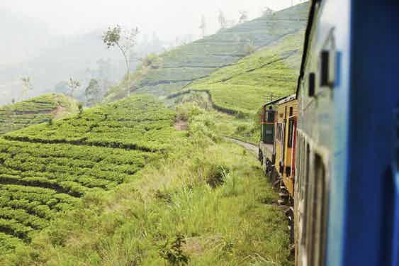 Sri-Lanka_Tea_Country_Train_iStock_000038535328_Large