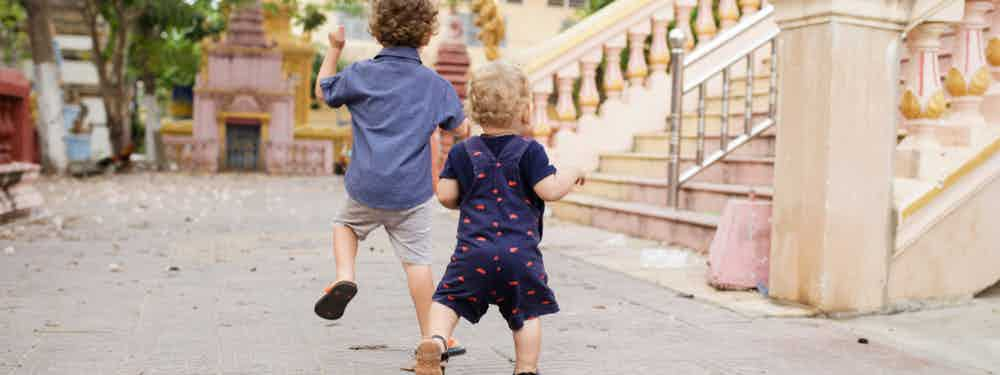 VOLUNTEERING HOLIDAYS FOR KIDS
