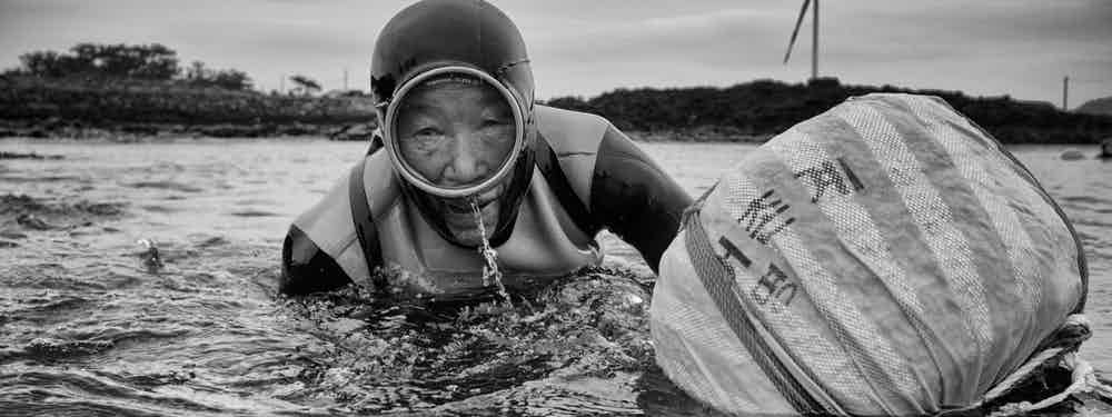 Women Divers Of Jeju