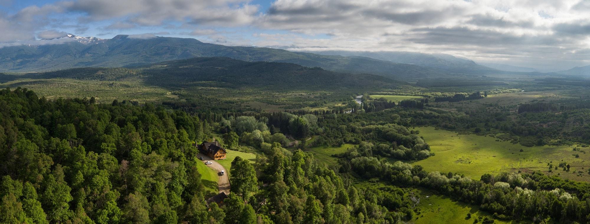 Aerial-shot-of-Caballadas-ranch2000