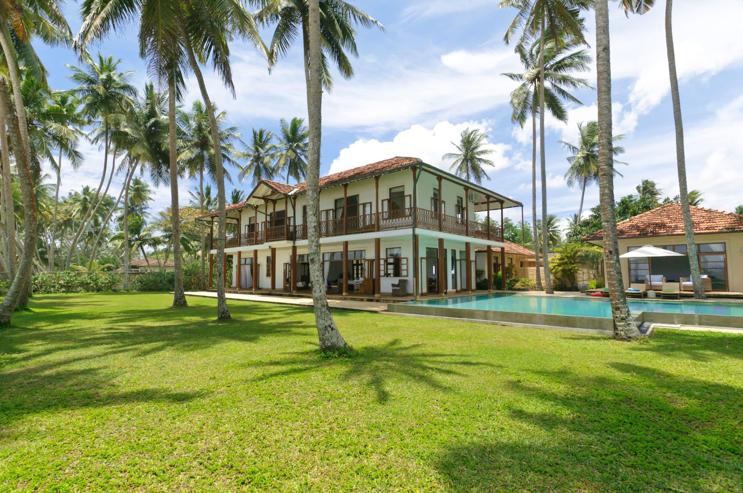 Best-Villas-Sri-Lanka-Sky-House-Garden1