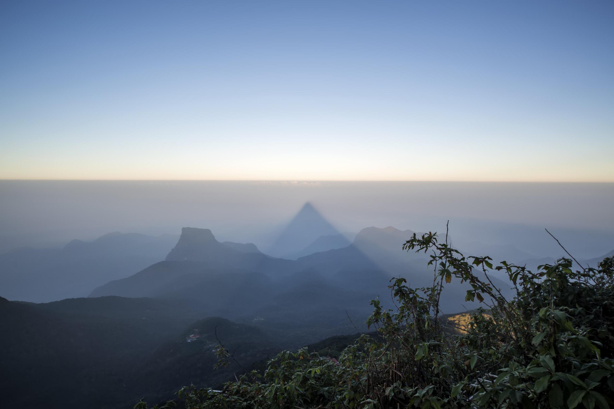 Destinations_Sri-Lanka_Hill-Country_Adams-Peak_iStock_000047987968_Large