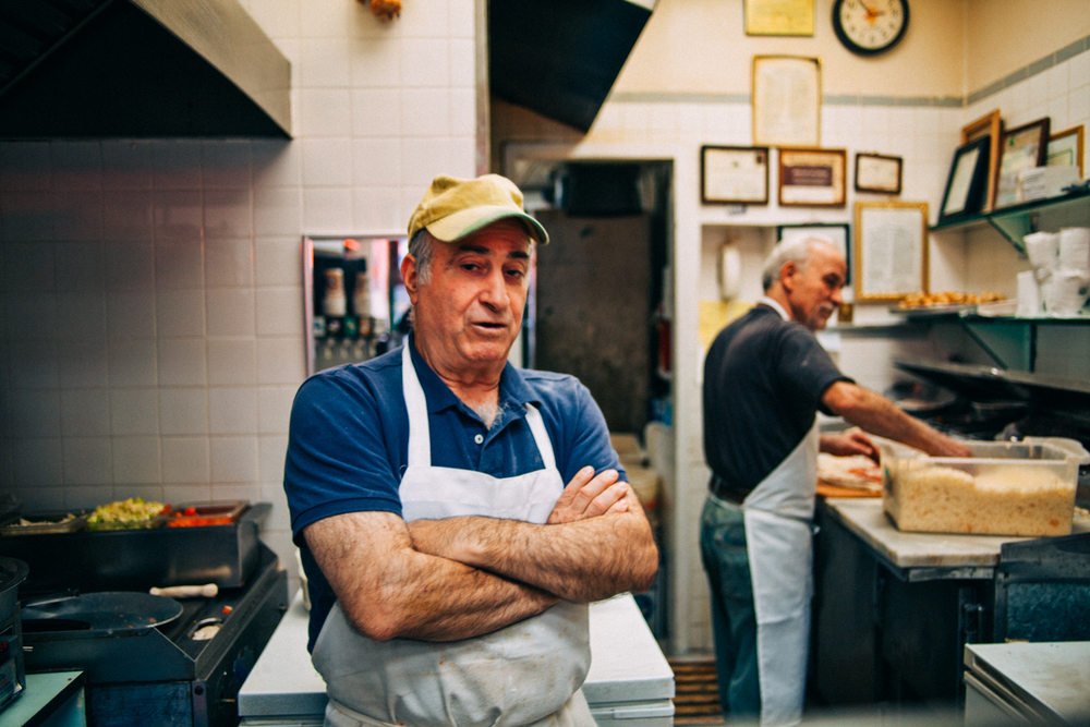 the-new-york-pizza-project-georges-pizza-washington-heights-maker-george