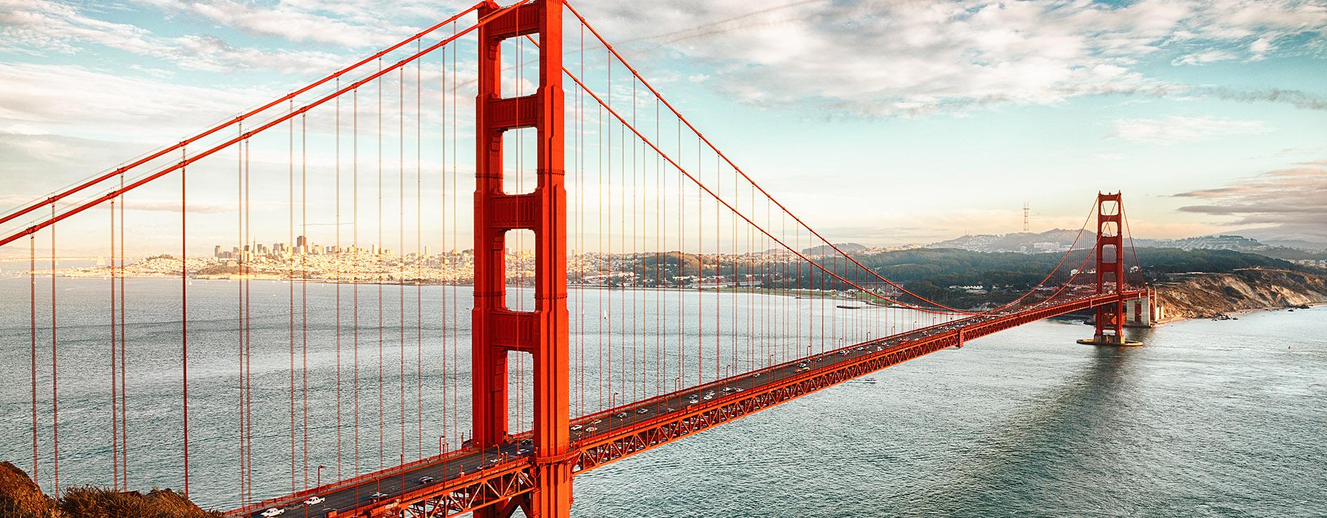 famous Golden Gate Bridge, San Francisco at night, USA