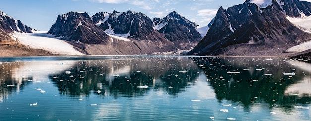 Arctic_Svalbard_Landscape of Magdalenefjorden